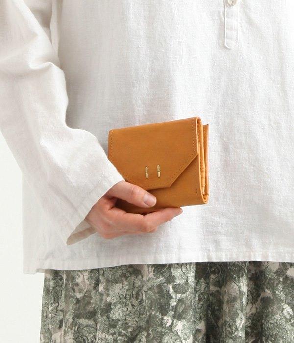 フラップ付きカウレザー財布(ブラウン)