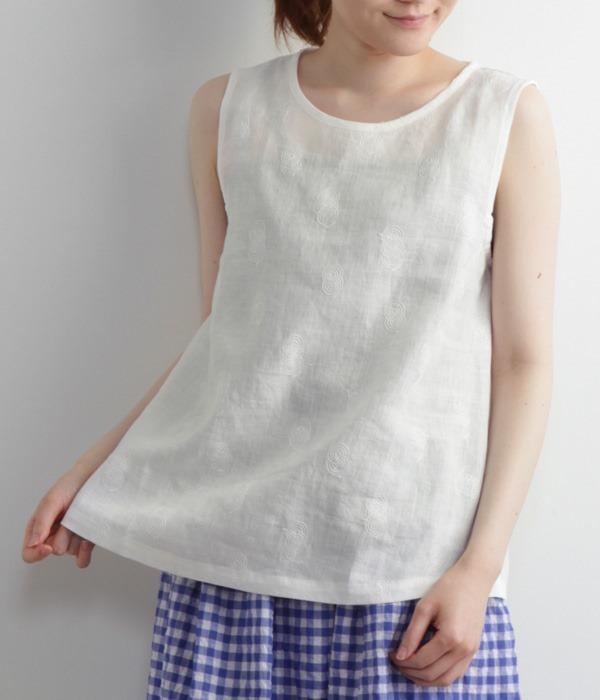 リネン刺繍ノースリブラウス(A・オフホワイト)