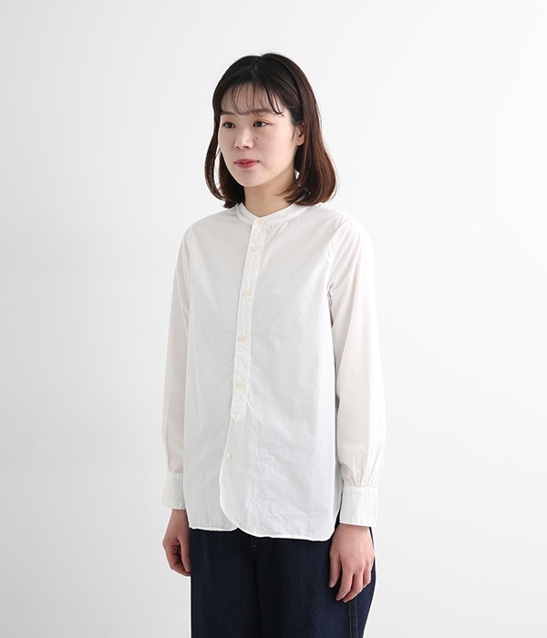タイプライターラウンドヘムスタンドカラー長袖シャツ(ホワイト)